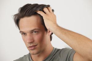 2015-07-29-1438212463-9583390-hairgelformenlonghair-thumb